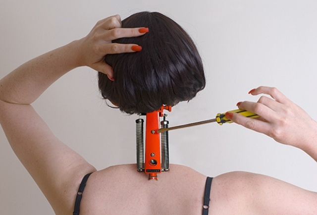Monstruous Feminine - The Pressure of The Beauty Industry in Raw Pictures