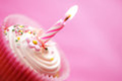 Birthday cup cake - Dreamstime