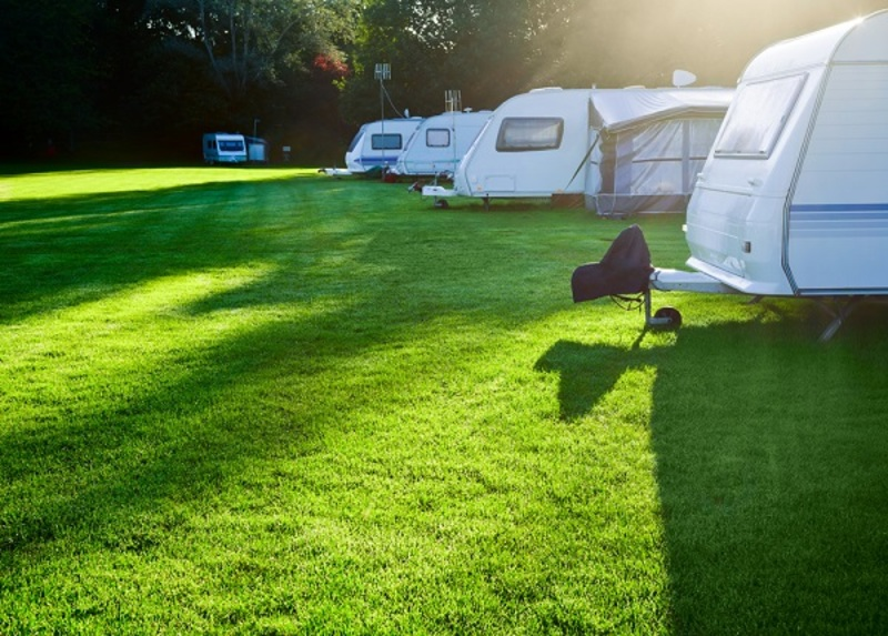 Some Reasons and Tips to Get Family Caravans
