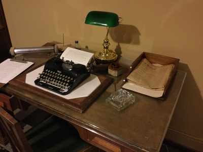 Writing desk with typewriter